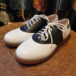 NEW EASTLAND Sadie leather Saddle shoes sz 7